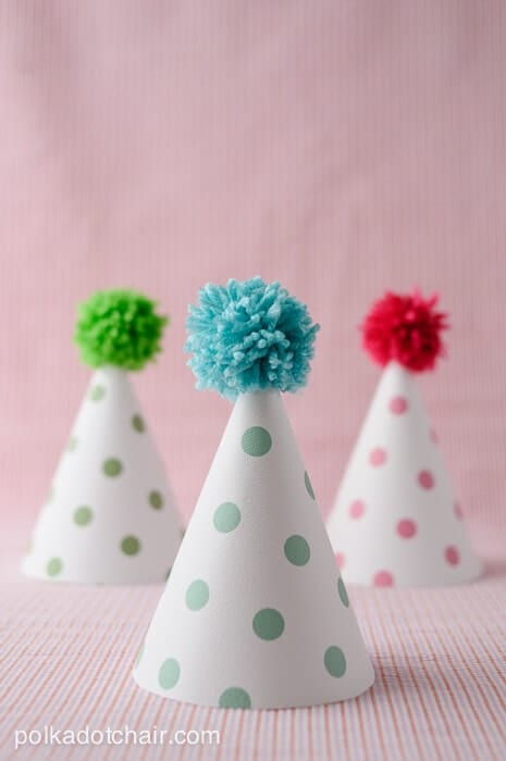 Printable Pom Pom Polka Dot Party Hats + DIY First Birthday Shirt and Party Hat - plus 15 other birthday outfit ideas to make your little one unbelievably adorable on the Big Day!