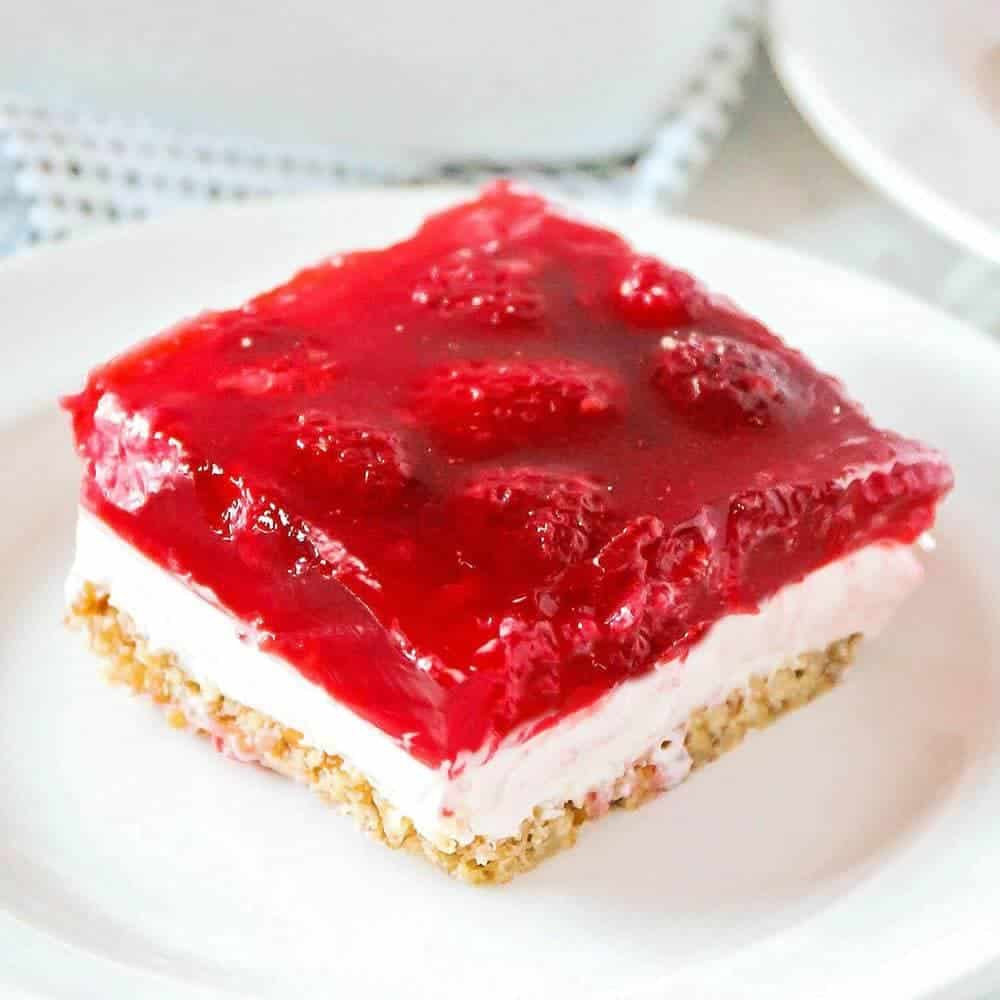 Thanksgiving Punch Recipe: The BEST Raspberry Jello Pretzel Salad