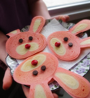Bunny pancakes by Jenni Price on iheartnaptime.net ...these would be so fun for Easter!
