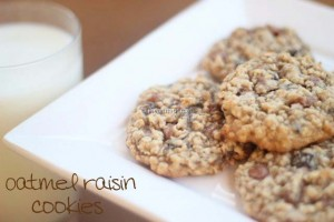 Oatmeal raisin cookies with cinnamon chips via iheartnaptime.net. YUM! #cookies