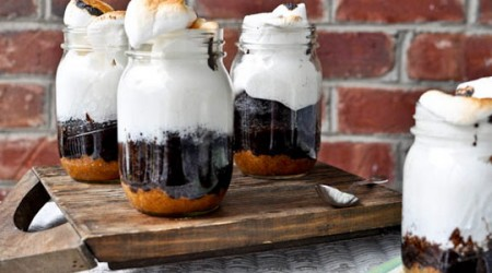 s'mores in a mason jar