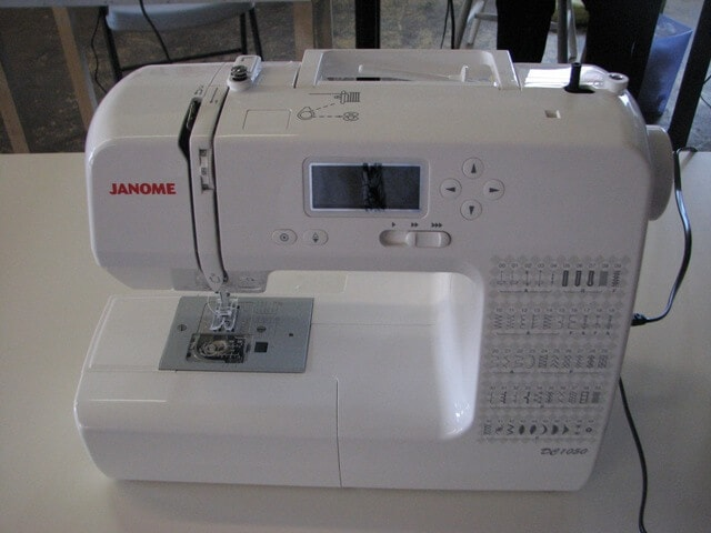 how to re thread a sewing machine