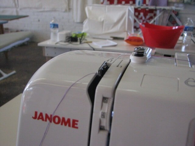 How to thread a sewing machine on iheartnaptime.net #sewing #tips