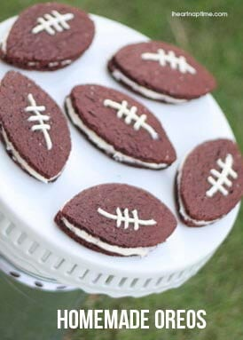 Homemade football oreos on iheartnaptime.net ...perfect for game day! #superbowl #recipes
