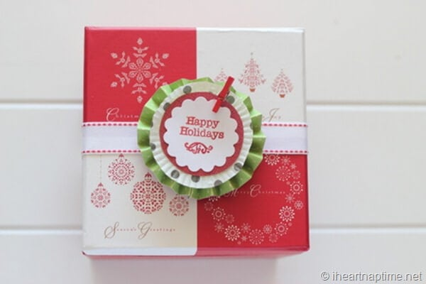 Sugar Cookie Gift from I {heart} Nap Time! Cookies are a great gift, especially with a cute box!!