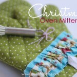Christmas Oven Mittens on iheartnaptime.net