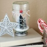 How to make a snow globe with a recycled jar #christmas #crafts