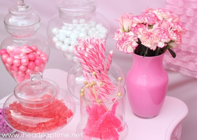 DIY painted vases and table on iheartnaptime.com
