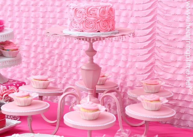 diycakestandjpg This chandelier cake stand added the PERFECT touch to the