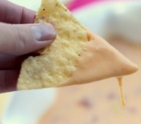 Super easy and delicious queso dip from iheartnaptime.net