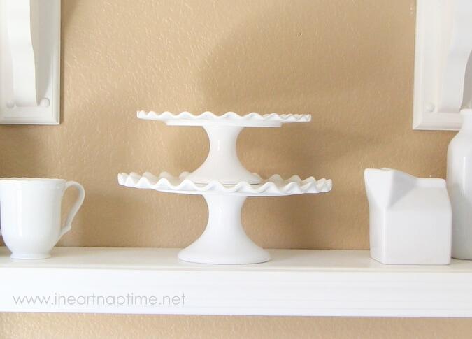 white cake plate