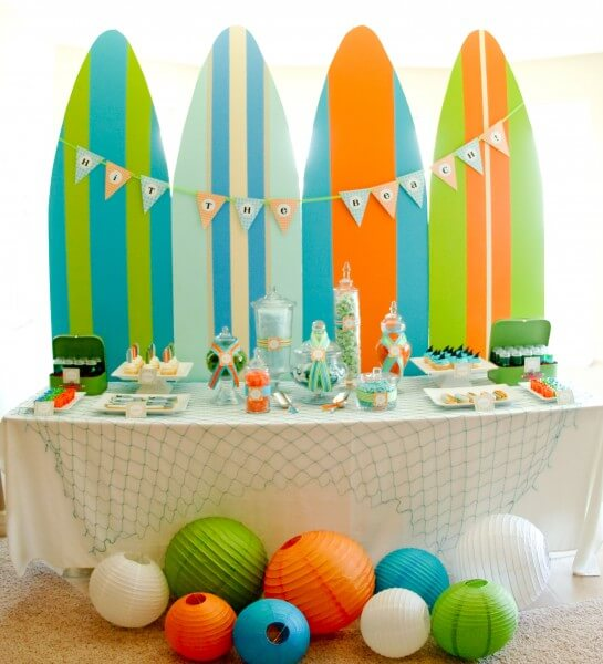 surfboard birthday party table