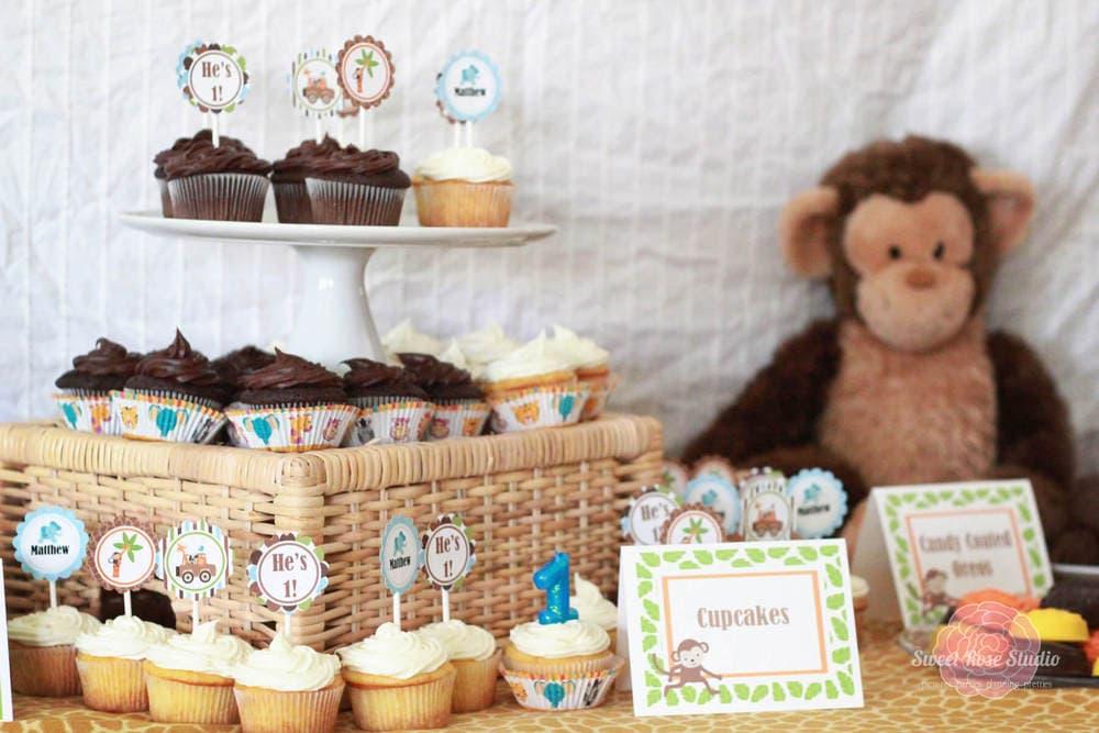 safari decorated cupcakes