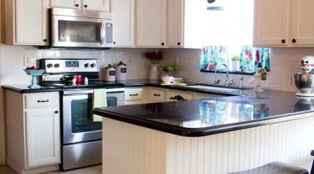 Love this kitchen makeover on iheartnaptime.net