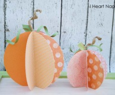 Learn how to make these super cute paper pumpkins. #halloween #crafts