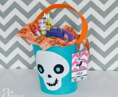 Anders Ruff FREE printable Halloween treat bag tags on iheartnaptime.net
