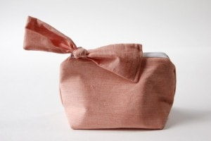 Zipper bow #pouch #pattern by see kate sew on iheartnaptime.net