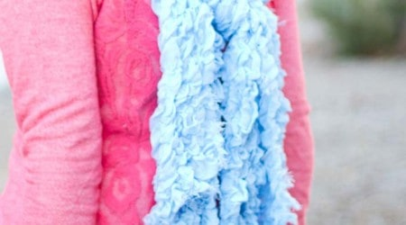 Super cute DIY scarf on iheartnaptime.net