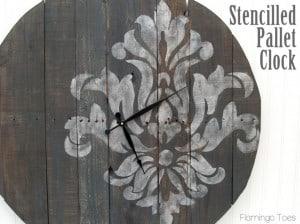 Stencilled-Pallet-Clock-795x596