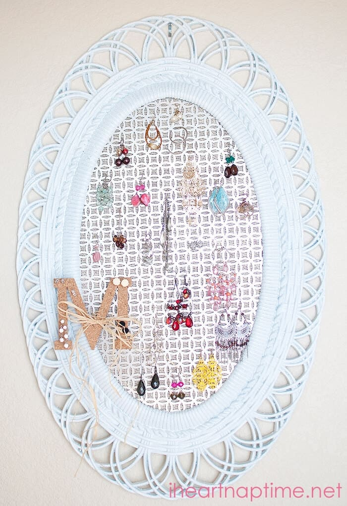 #DIY Jewelry Organizer on iheartnaptime.com