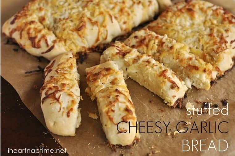 Stuffed cheesy garlic bread on iheartnaptime.com ...one word, yum! #bread #recipes