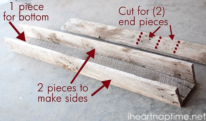 Diy pallet wood planter i heart nap time for How to make a flower box out of pallets