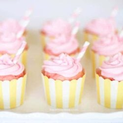 Love these pink lemonade cupcakes on I Heart Nap Time