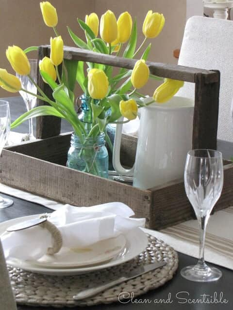 Spring-Tablescape-center