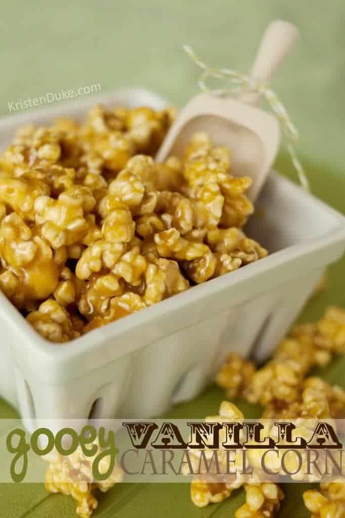 gooey-vanilla-caramel-corn-682x1024