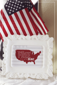 Free 4th of July print in 2 colors at I heart naptime.
