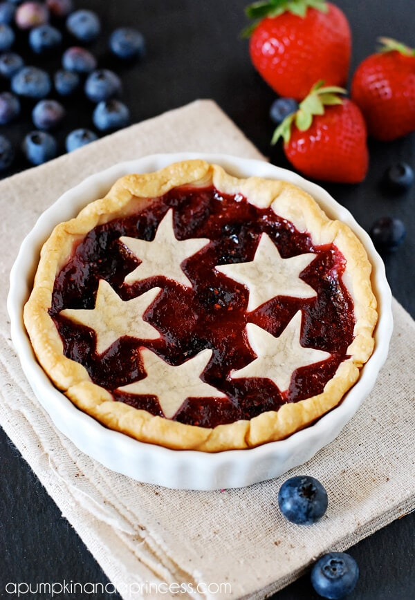Mini-Mixed-Berry-Pie-Recipe