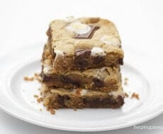 S'mores bars on iheartnaptime.com ...These are SO easy and literally heaven in your mouth! #recipes