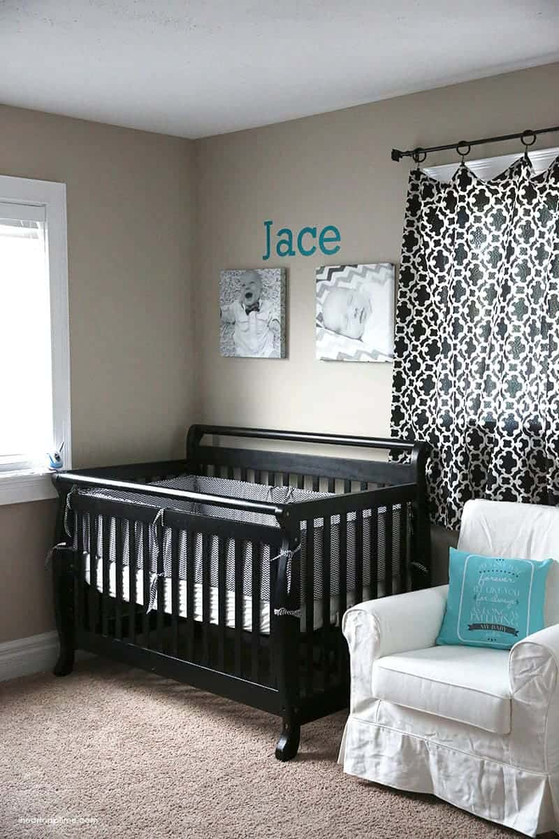 1 hour nursery makeover  free printable  I Heart Nap Time
