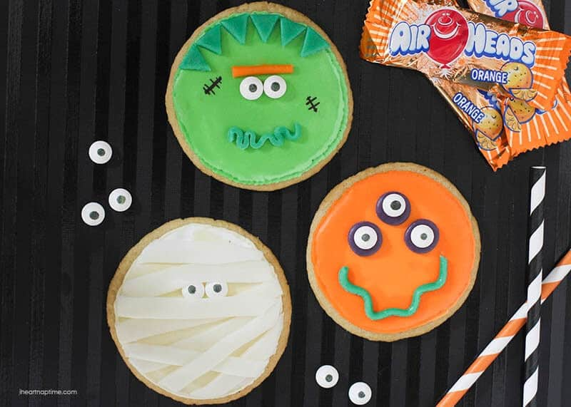 Monster cookies created with @AirheadsCandy and googly eyes ...fun treat for Halloween!