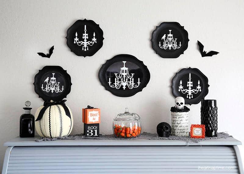 Halloween decor via @iheartnaptime