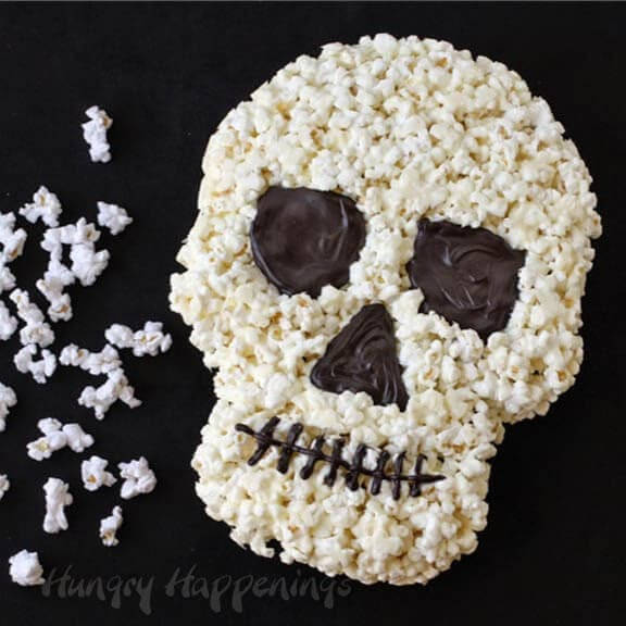 Halloween-dessrts-white-chocolate-popcor