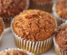 Pumpkin snickerdoodle muffins on I Heart Nap Time
