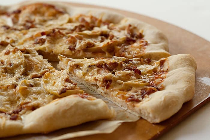 applecheddarbacon-pizza