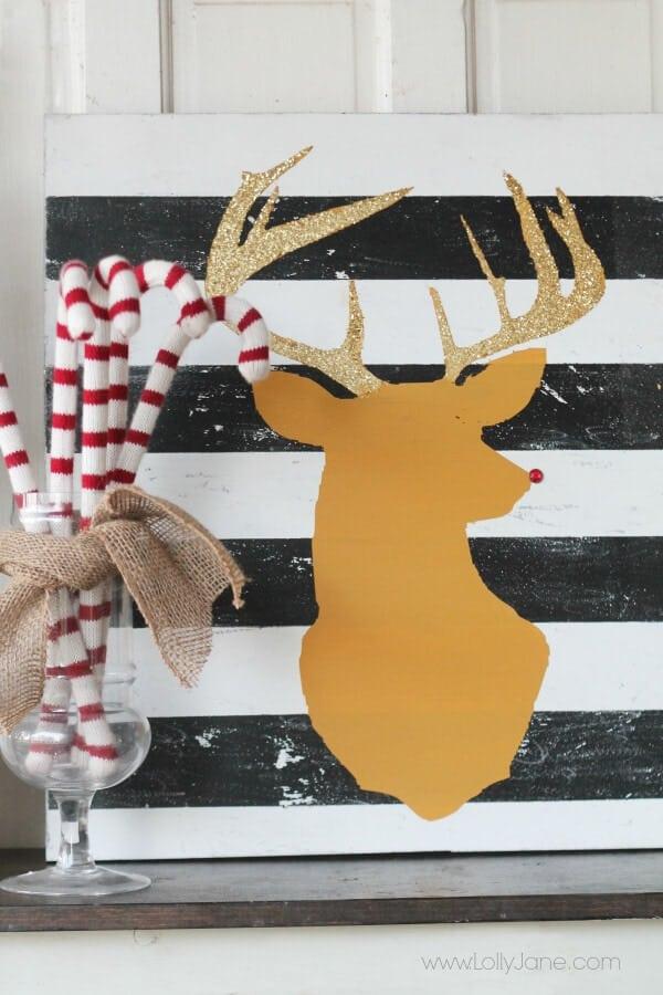 DIY Glitter Reindeer Art