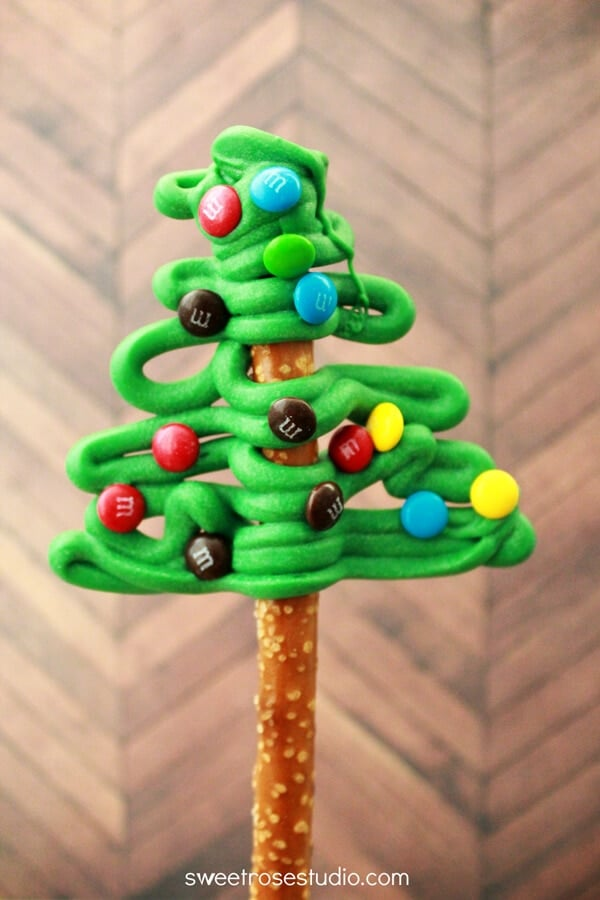 Decorate A Mini Christmas Tree