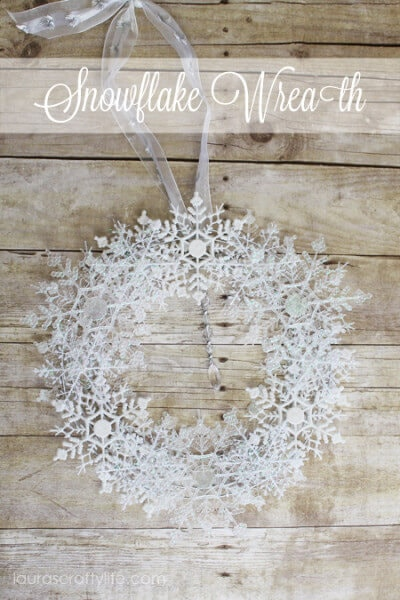 Snowflake-Wreath-by-Lauras-Crafty-Life-400x600