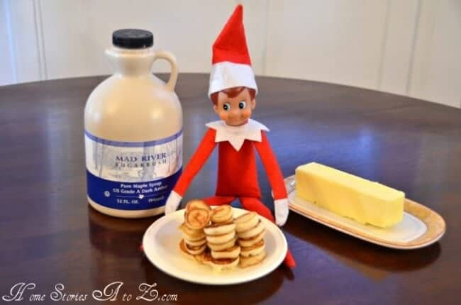 Elf making mini pancakes
