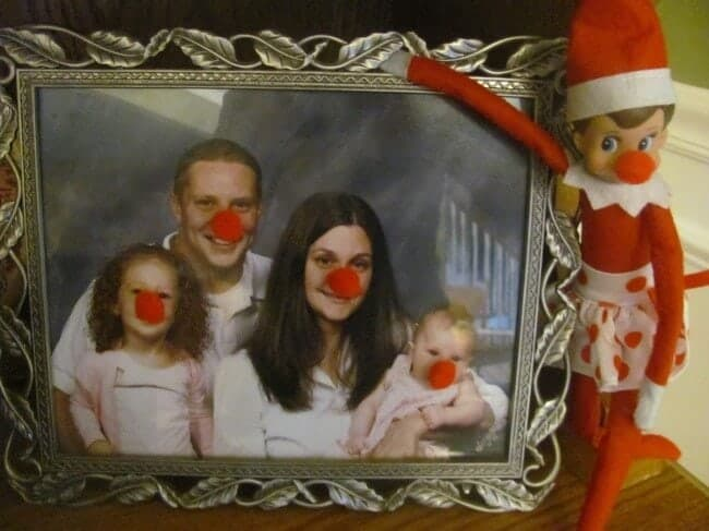 Red noses on elf and family