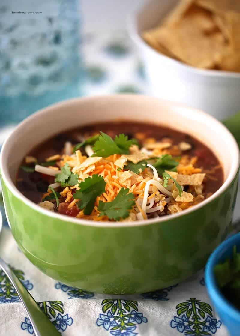 Slow cooker chicken enchilada soup on iheartnaptime.net ...best soup ever!
