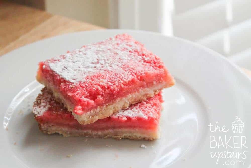 strawberry lemonade bars on plate