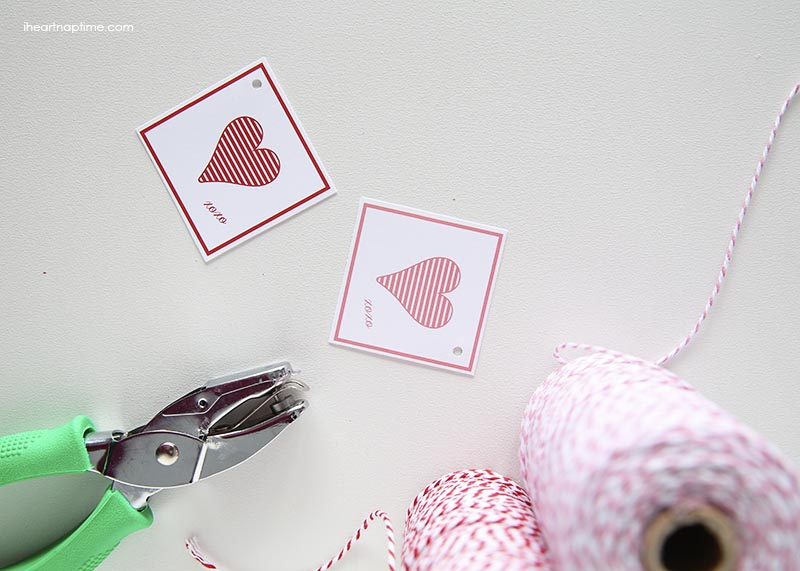 Free printable Valentine's Day tags on iheartnaptime.com ...cute and easy way to dress up a gift!