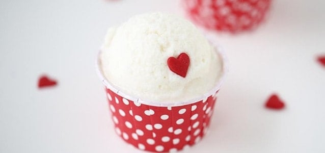 http://www.iheartnaptime.net/wp-content/uploads/2014/02/Homemade-snow-cream-recipe-638x300.jpg