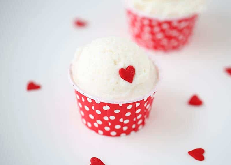 How to make SNOW ice cream on iheartnaptime.com ...so yummy and only takes about 5 minutes to make!