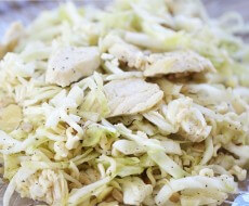 Ramen cabbage salad with chicken on iheartnaptime.net ...easy and delicious!