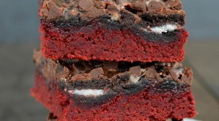 Red velvet OREO bars